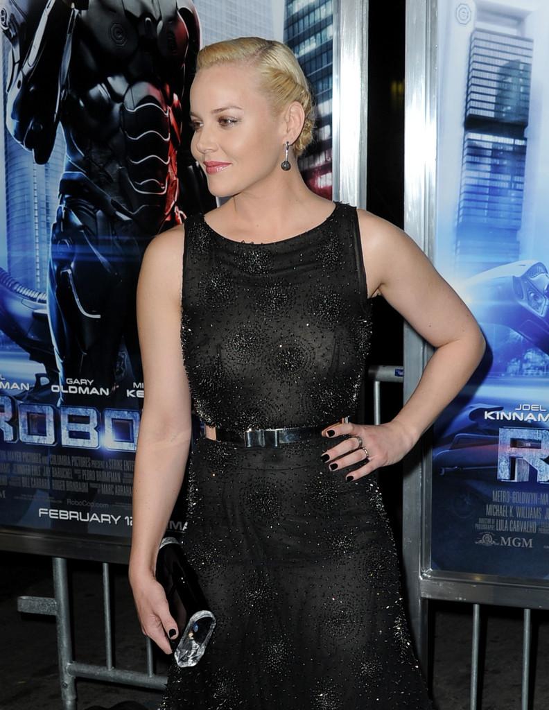 Abbie Cornish 2014 : Abbie Cornish: Robocop Premiere -04