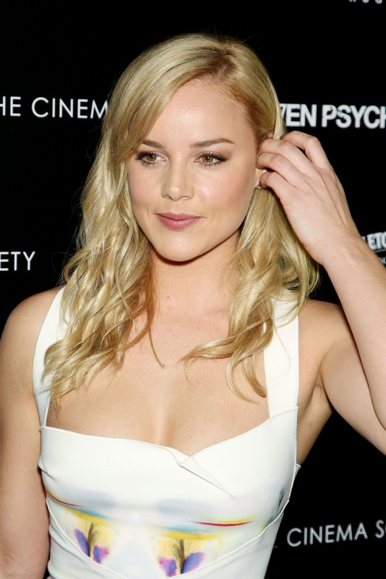 Abbie Cornish - Hot in white dress at Seven Psychopaths Premiere