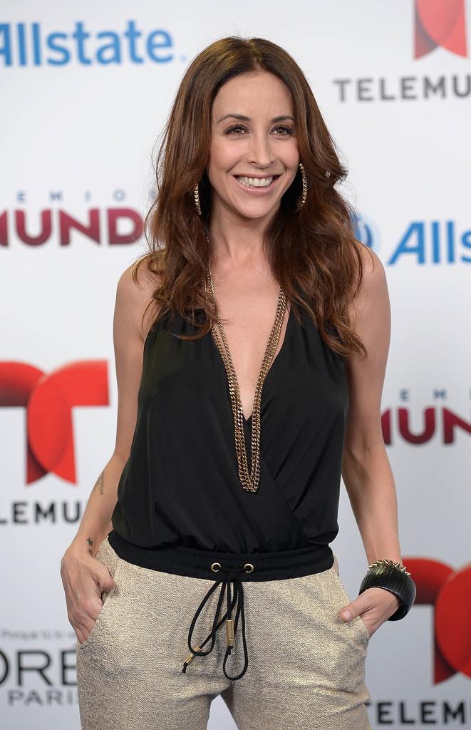 Adriana Lavat - 2014 Telemundo's Premios Tu Mundo Awards in Miami