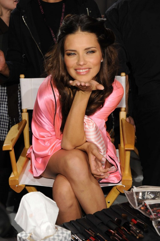 Adriana Lima 2012 Victorias Secret Fashion Show in New York-07