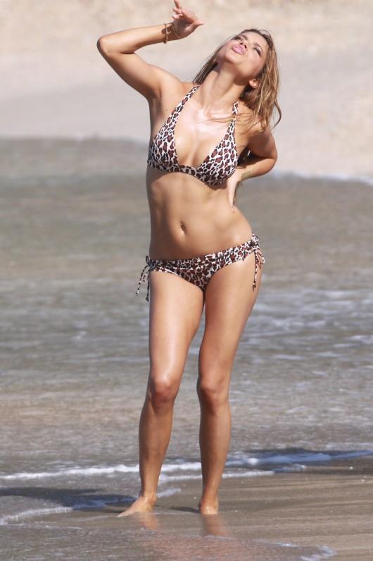 adriana-lima-bikini-photoshoot-for-victorias-secret-in-st-barts-08