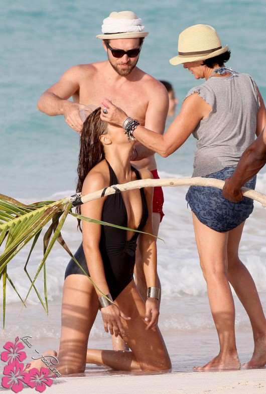 Adriana Lima Swimsuit – Behind The Scenes St. Barths Victoria's Secret