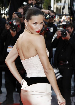 Adriana Lima: The Homesman Premiere -01