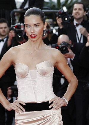 Adriana Lima: The Homesman Premiere -02