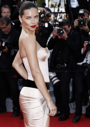 Adriana Lima: The Homesman Premiere -06