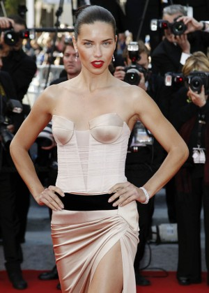 Adriana Lima: The Homesman Premiere -07