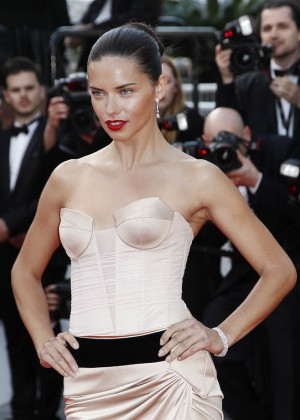 Adriana Lima: The Homesman Premiere -11