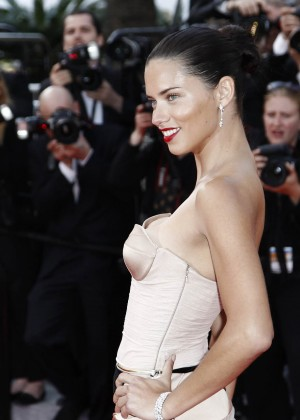 Adriana Lima: The Homesman Premiere -12