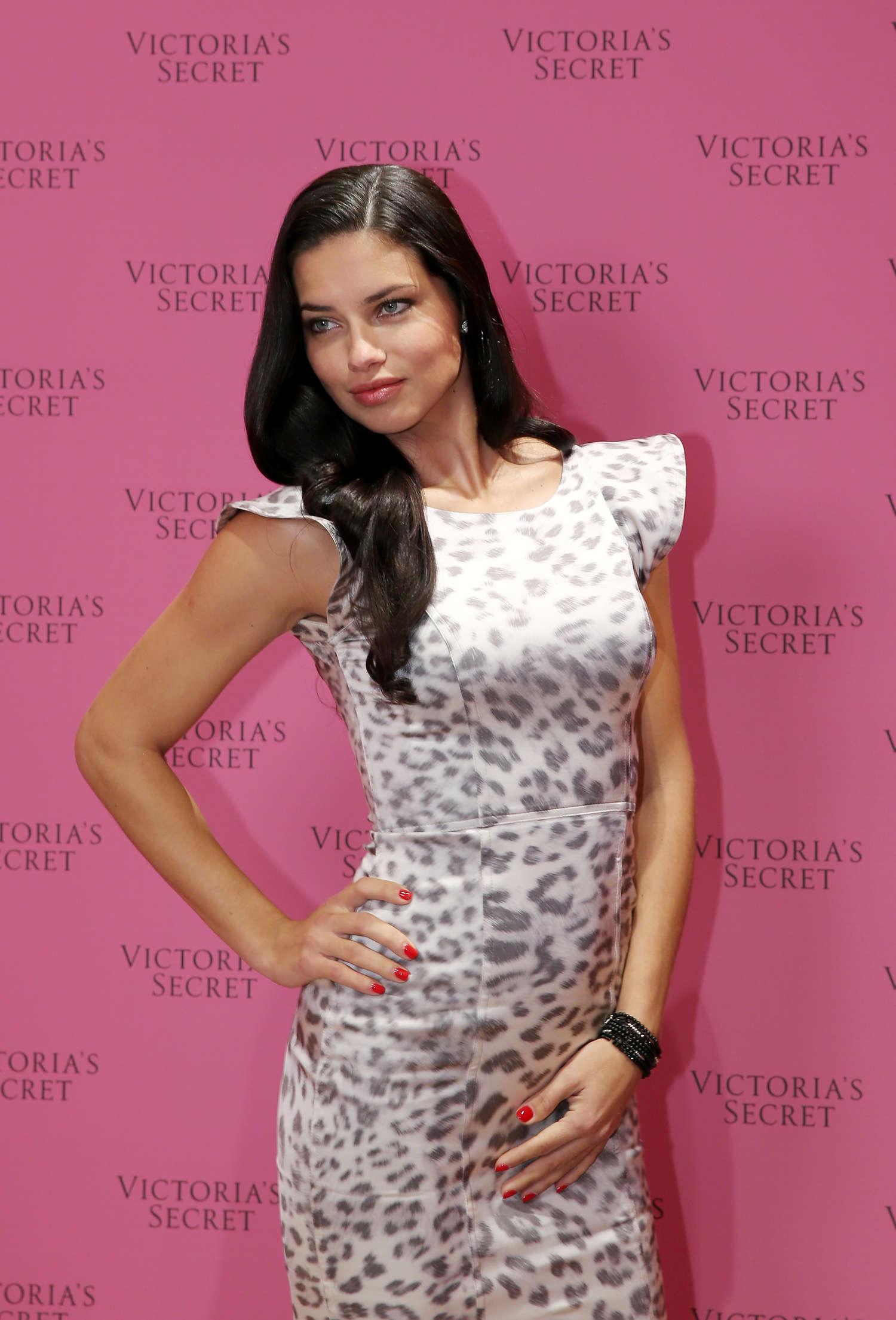 Adriana Lima Vs Fantasy Bra Launch 02 Gotceleb
