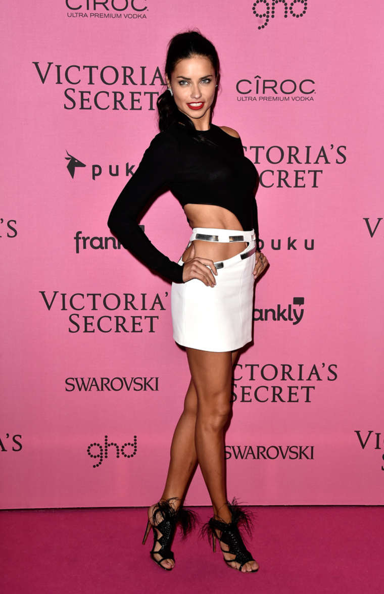 Models hit the pink carpet for the 2017 Victoria s Secret 14