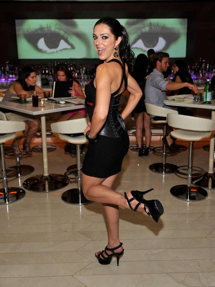 Adrianne Curry at Andrea's in Encore Beach Club in Wynn Las Vegas