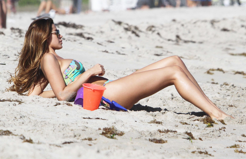 Пьяные голые девочки на пляже, Подборка: Приколы с пьяными девушками - видео 7 фотография