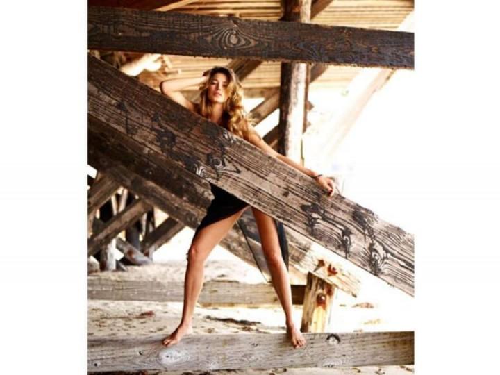 Aida Yespica: Sharp Magazine -01