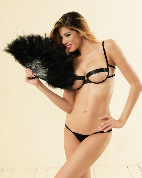 Aida Yespica – Si e lei Fall-Winter 2011 Lingerie Collection-06