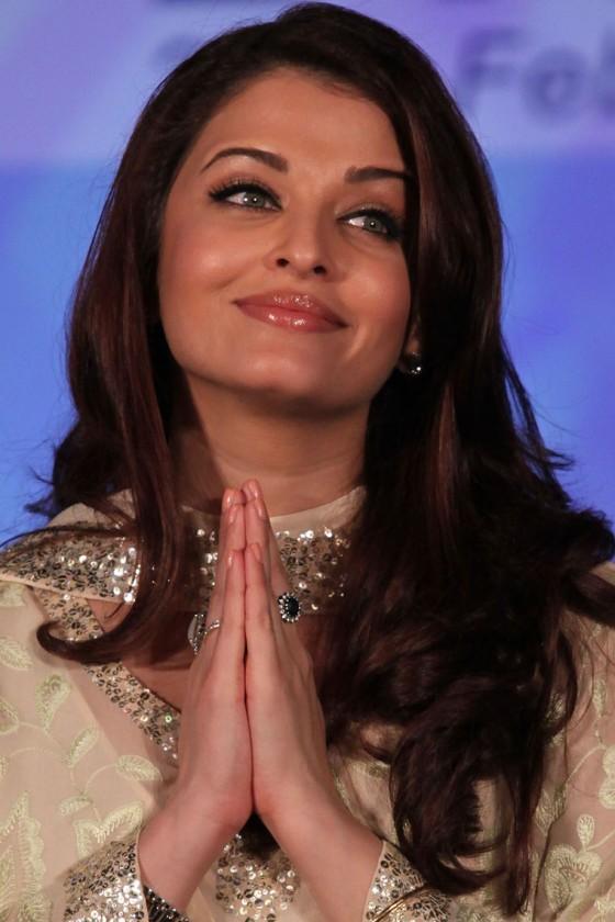 Aishwarya Rai – Lavasa Women's Day Drive Awards 2011