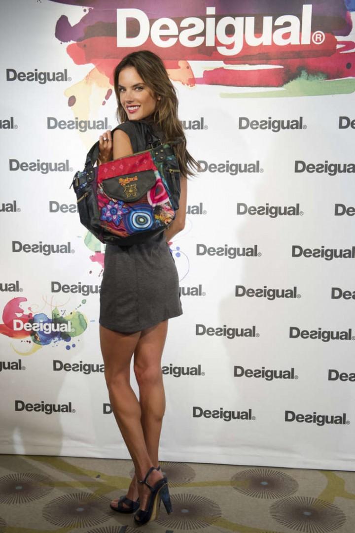 Alessandra Ambrosio: Desigual Photocall -04