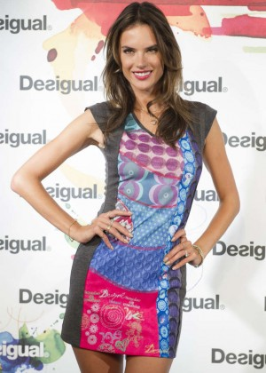 Alessandra Ambrosio - Desigual Photocall in Madrid
