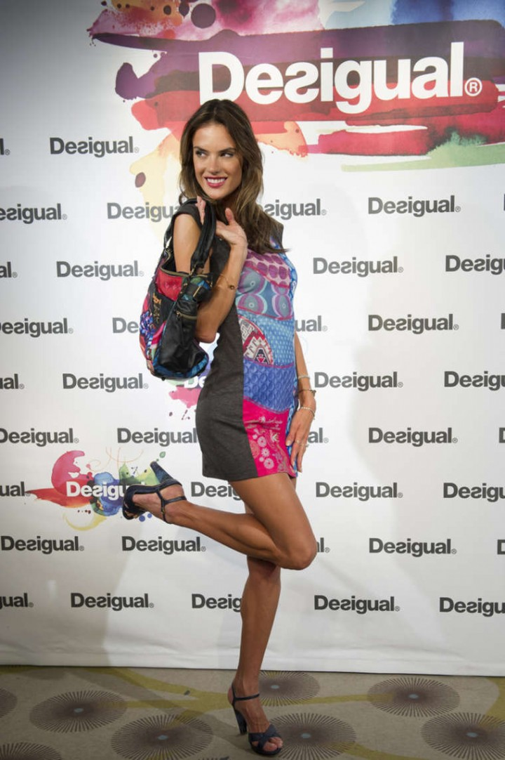 Alessandra Ambrosio: Desigual Photocall -20