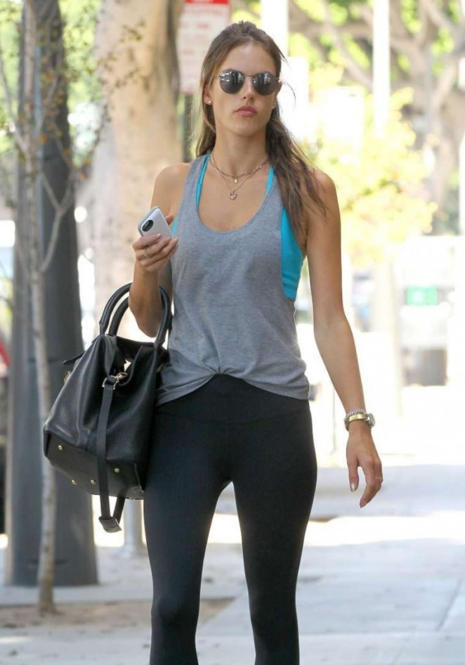 Alessandra Ambrosio in Leggings Goes to pilates class in Santa Monica