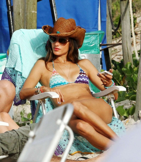 Alessandra Ambrosio having fun at the beach in Los Angeles 01/03/2013