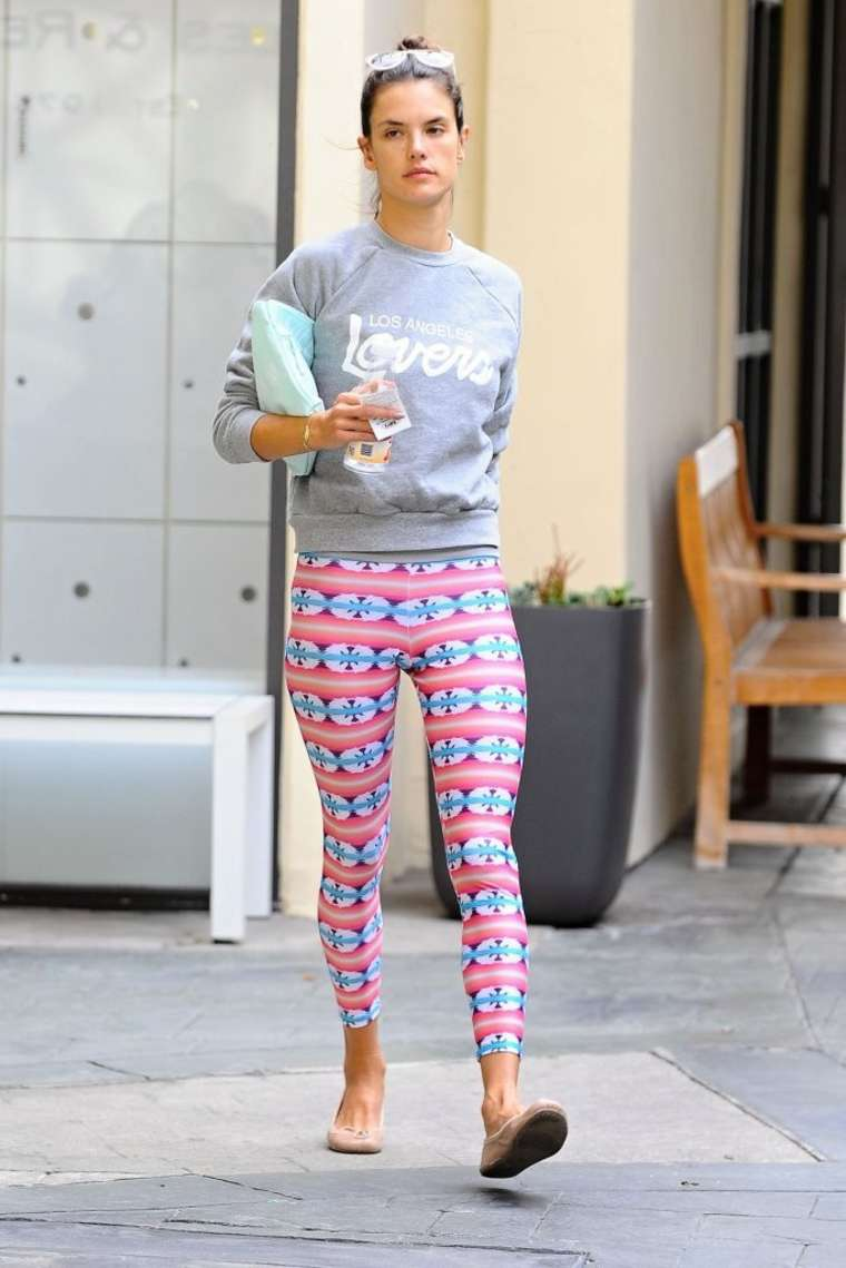 Alessandra Ambrosio 2014 : Alessandra Ambrosio in Pink Leggings -05