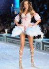 Alessandra Ambrosio - Victorias Secret Fashion Show November 2011-08