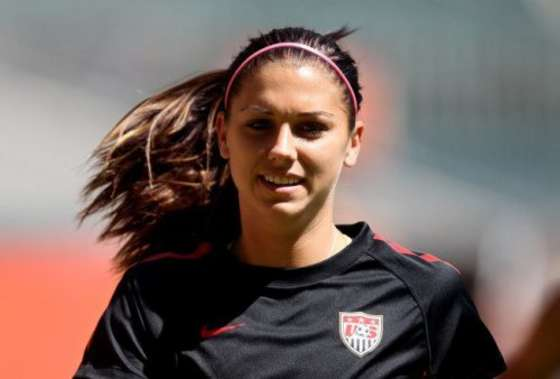 Alex Morgan 2012 : Alex Morgan and Hope Solo Hot Photos -15