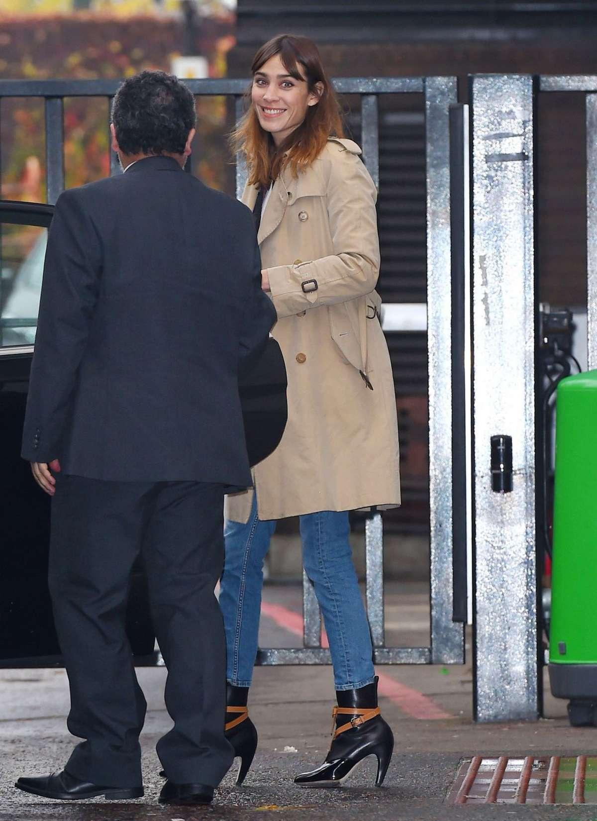 Alexa Chung 2014 : Alexa Chung in Jeans and Coat -06