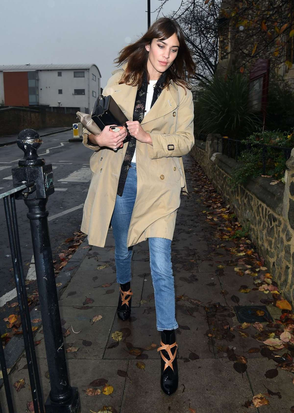 Alexa Chung 2014 : Alexa Chung in Jeans and Coat -09