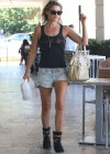 Ali Larter Legs in shorts-10