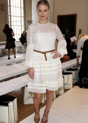 Alice Eve - Alice Temperley Show SS 2015 London Fashion Week