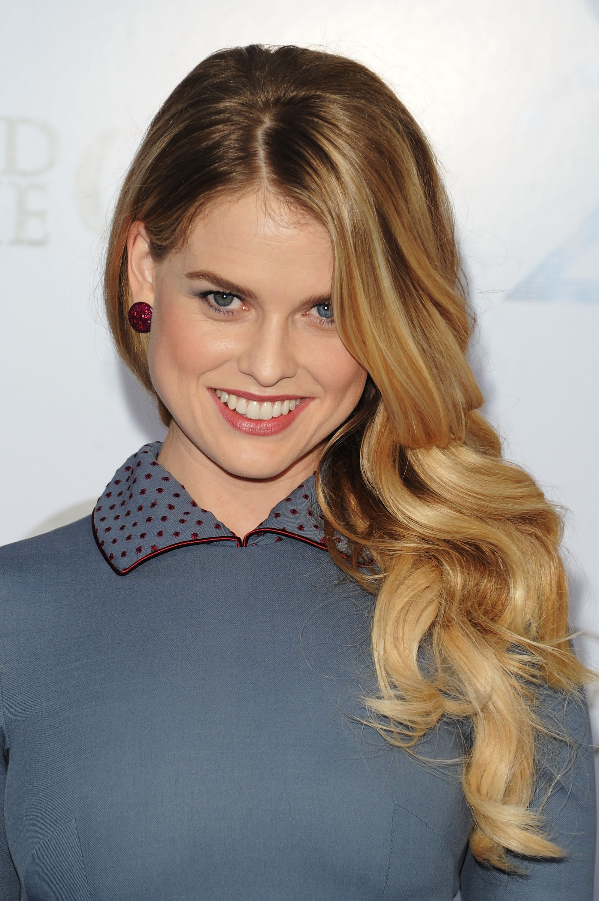 alice-eve-at-sex-and-the-city-2-premiere-in-nyc-02 - GotCeleb