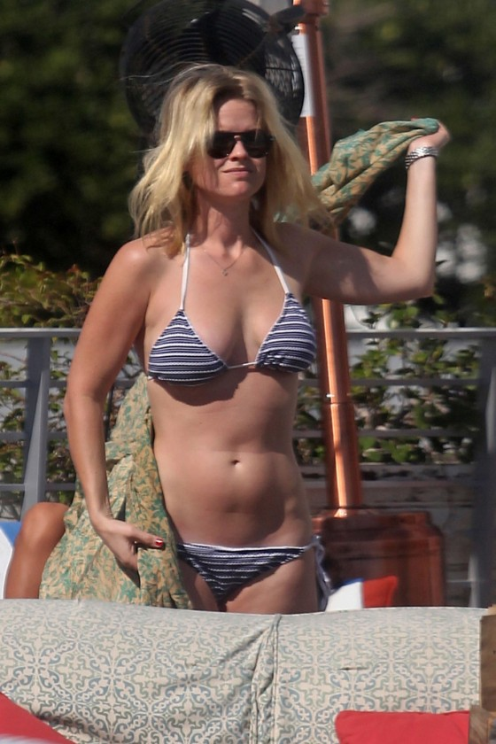 Alice Eve - Bikini Body at a Beach in Miami