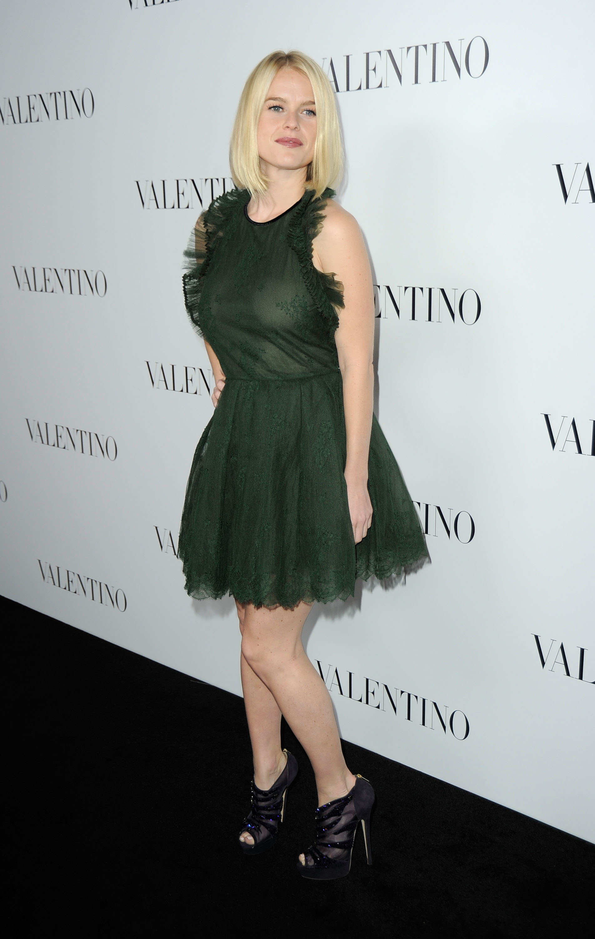 Alice Eve Valentino Rodeo Drive Flagship Opening 03