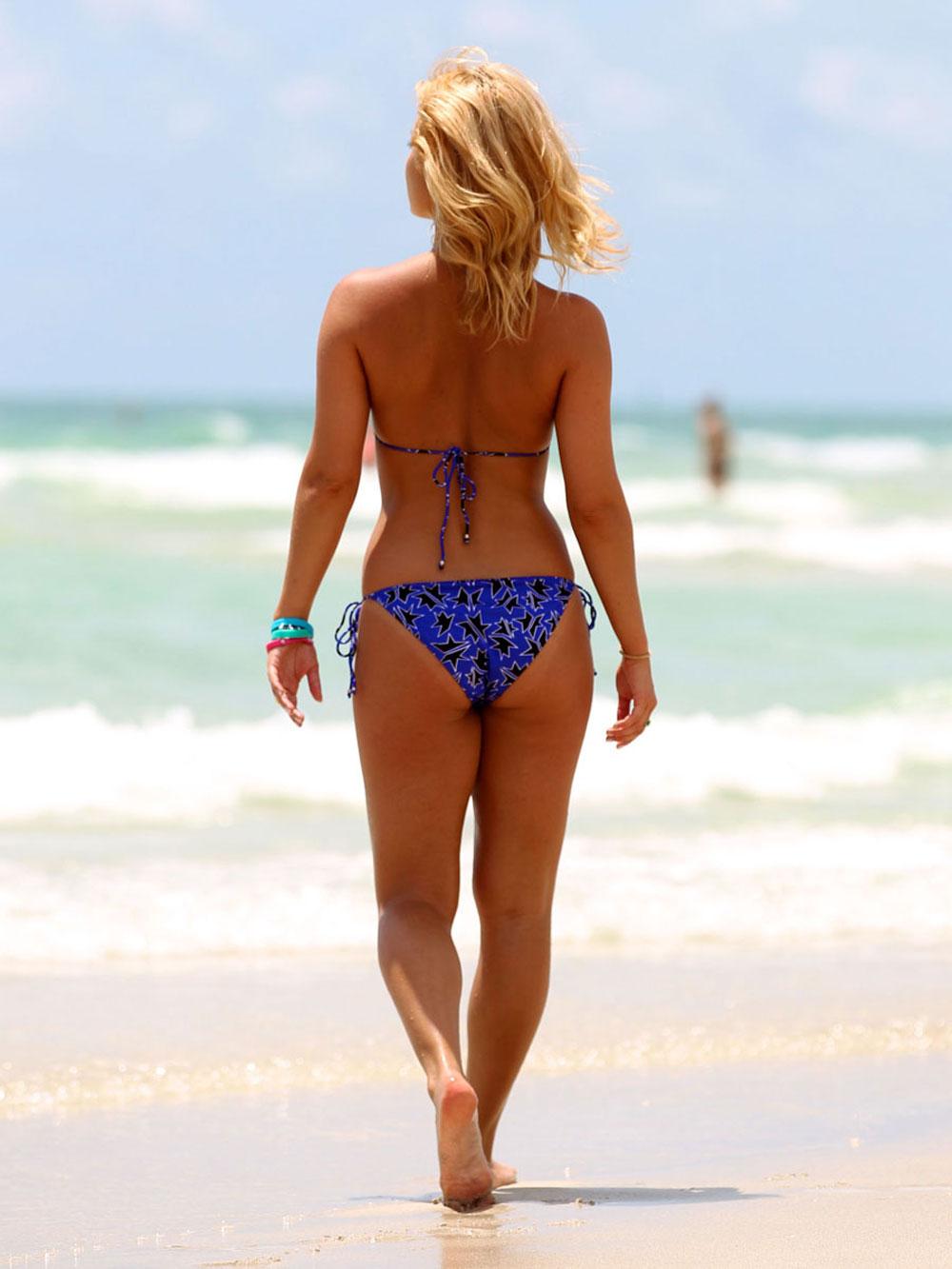 Aliona Vilani – Bikini candids on the Beach in Miami ...