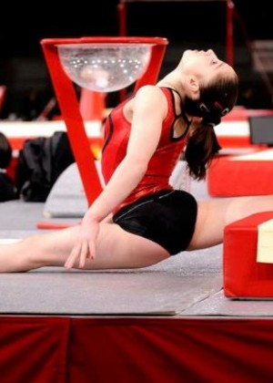 The 26 Hottest: Aliya Mustafina Wallpapers -23