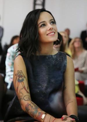 Alizee at Casting Amor Amor -07