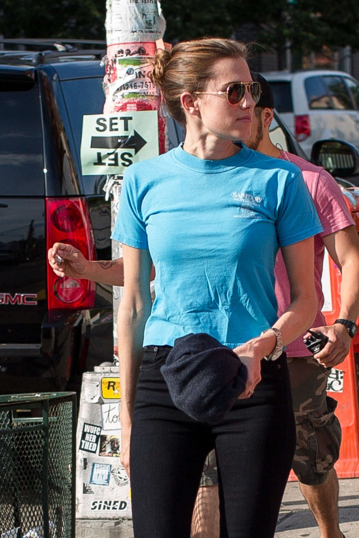 Allison Williams on the Set of 'Girls' in Brooklyn