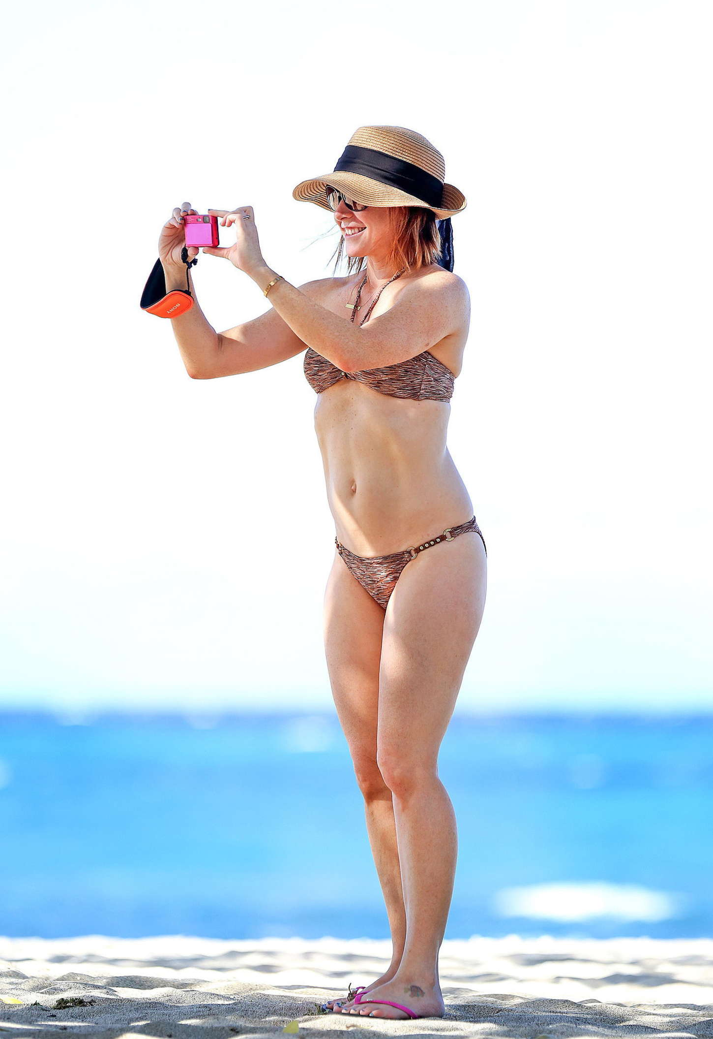Hot alyson hannigan bikini something is