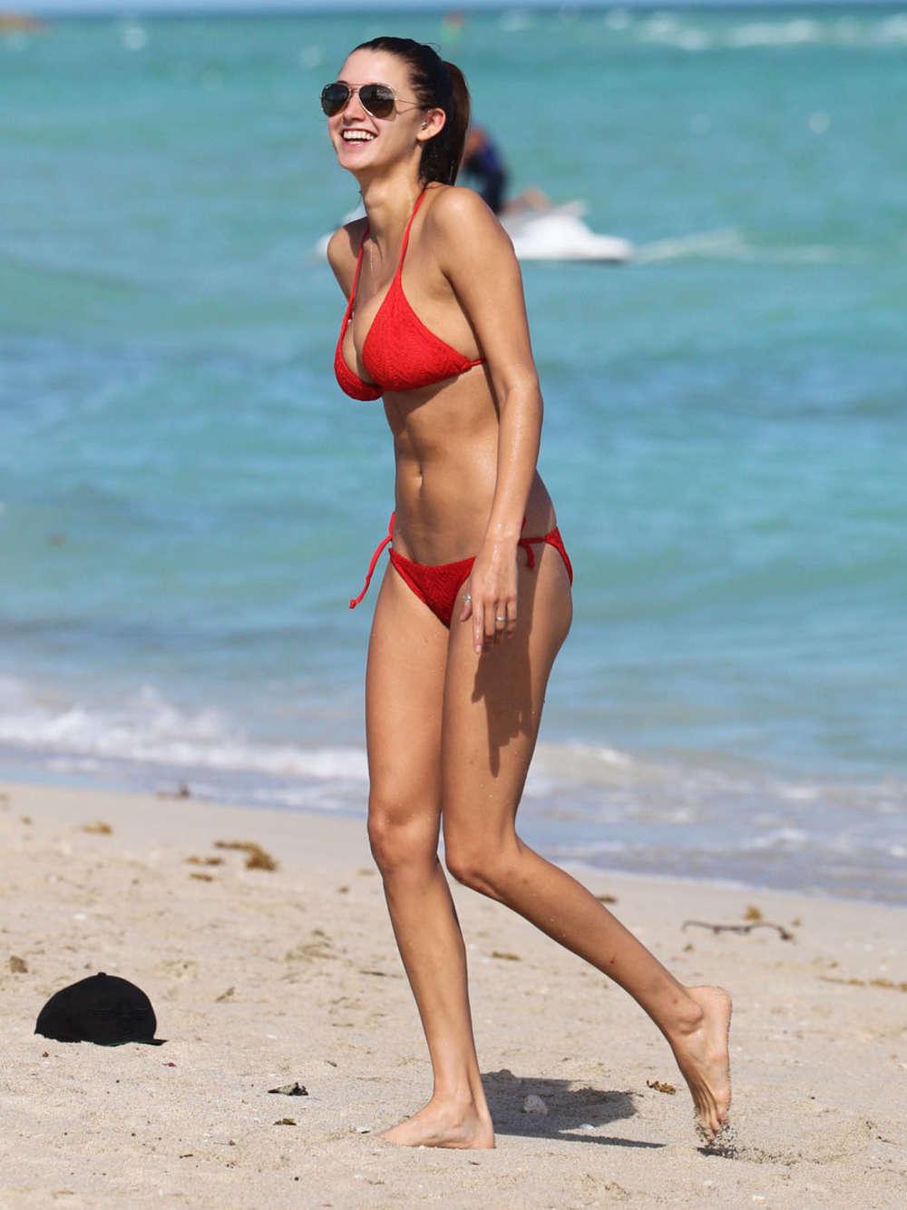 Alyssa Arce 2013 : Alyssa Arce Hot Bikini Photos: Miami -04