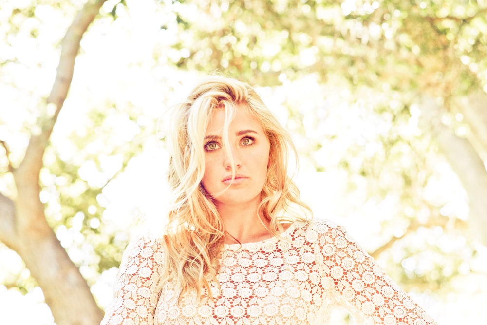 Amanda and Alyson Michalka  Stephen Ringer Photoshoot 2013 -03 - Full    Alyson Michalka 2013
