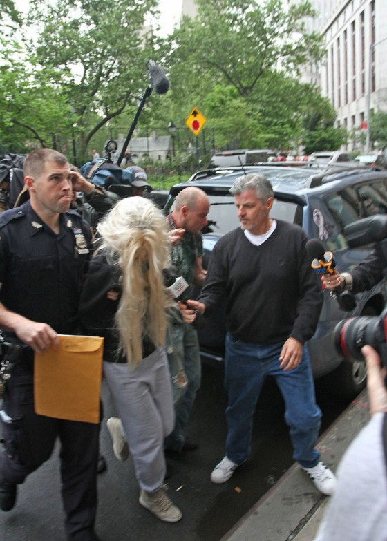 Amanda Bynes Goes To Court after Getting Arrested For Drugs -07