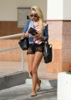 Amanda Bynes in short shorts-03