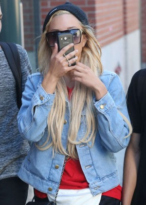 Amanda Bynes out in New York City