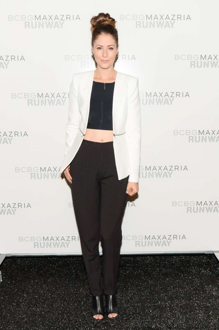 Amanda Crew - BCBGMAXAZRIA Fashion Show in NY