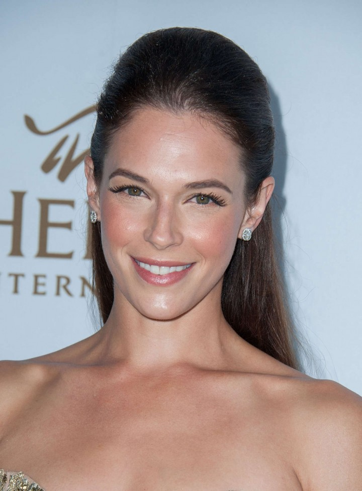 "Amanda Righetti - ""Beyond Hunger - A Place At The Table"" Gala in Beverly Hills"