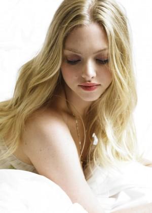 Amanda Seyfried Wallpapers: 6 Hot HD -03