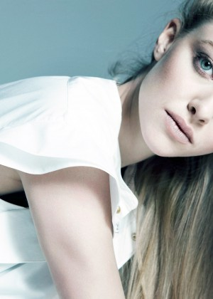 Amanda Seyfried Wallpapers: 6 Hot HD -04