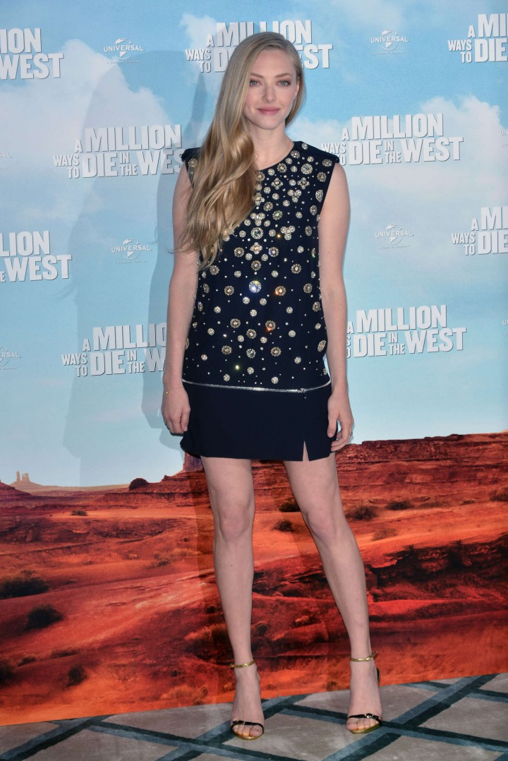 """Amanda Seyfried – """"A Million Ways To Die In The West"""" photocall in London"""