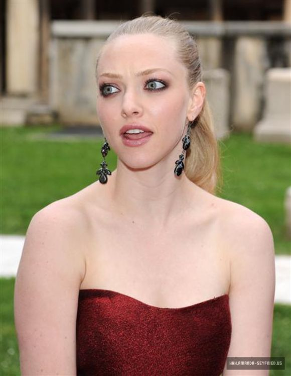amanda-seyfried-at-letters-to-juliet-italy-premiere-06 ...